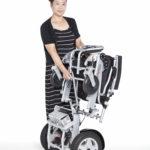 DE08L-DE08-SEPARATING-DRIVE-SEGMENT-AND-FRAME-WITH-LADY-150x150